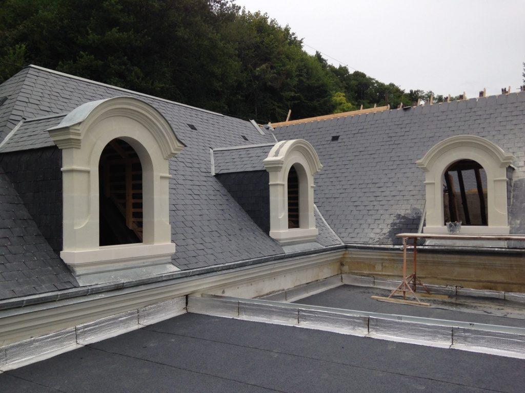 lucarne de toit pierre